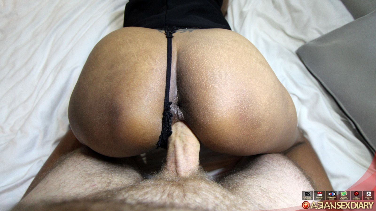 :: Asian Sex Diary :: Horny & lonely MILF from Phucket shows off her ass and sucks dick begging ...